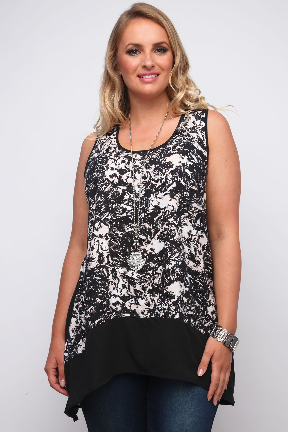 Black And Nude Pink Smudge Print Georgette Sleeveless Top -1698