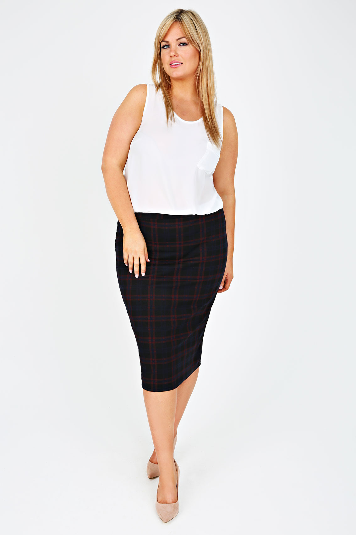 Discover plus size pencil skirts at Yours Clothing. Filled with figure hugging and curve enhancing designs, shop must-have styles in sizes 16 to Best loved plus size clothes size 16 to