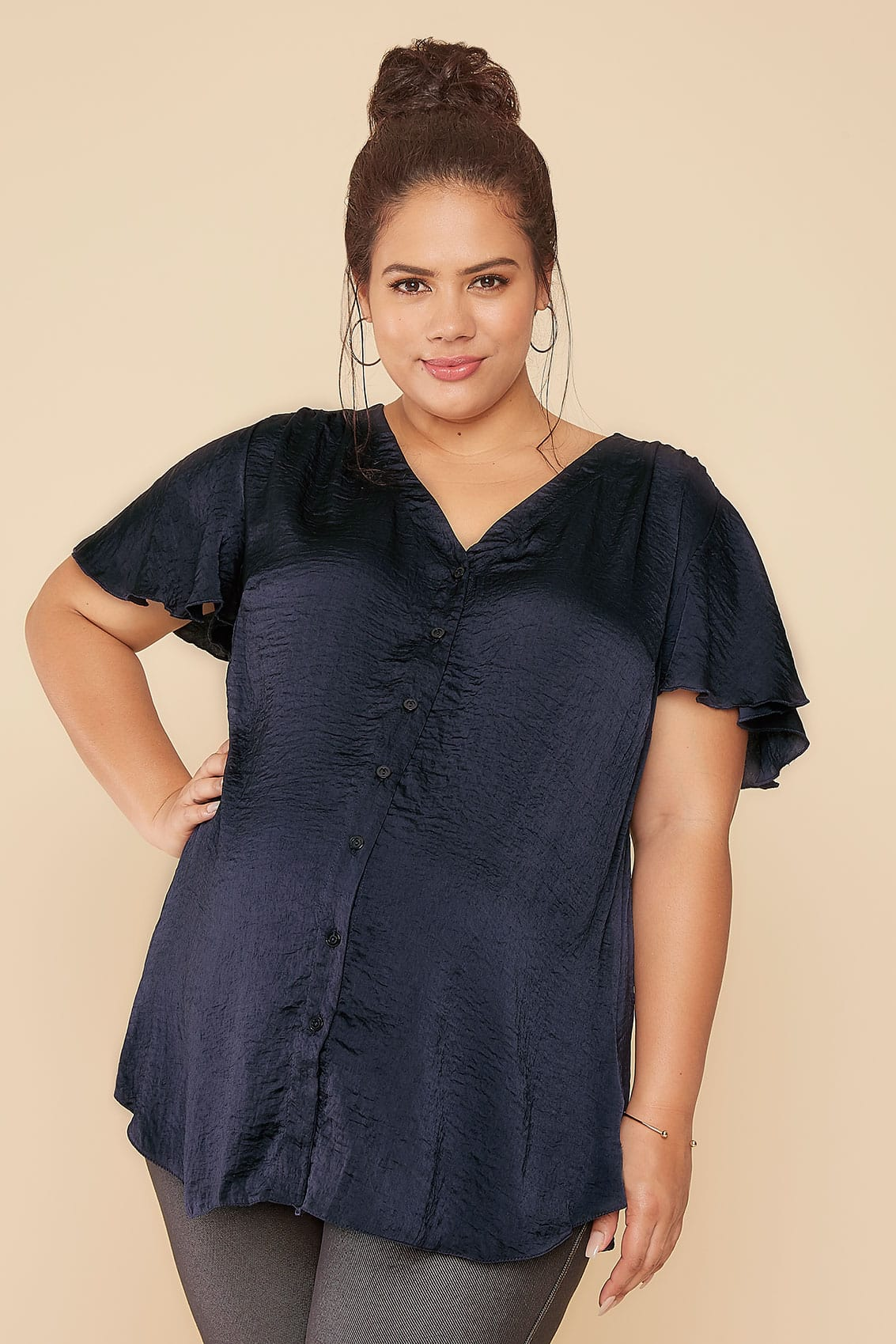 Nursing Sleep Bra moreover Nursing Sleep Bra as well Bump It Up Maternity Navy Blouse With Angel Sleeves P additionally 12 Mcare Mobilitt Von Menschen Mit Behinderungen Und Lteren Menschen additionally Nursing Sleep Bra. on tr band nursing care