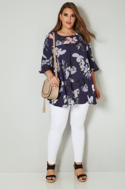 AX PARIS CURVE Navy Floral Crepe Blouse With Bell Sleeves