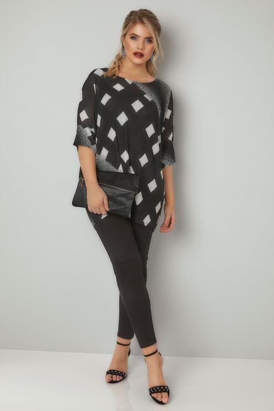 BLUE VANILLA CURVE Black & White Diamond Print Knitted Top