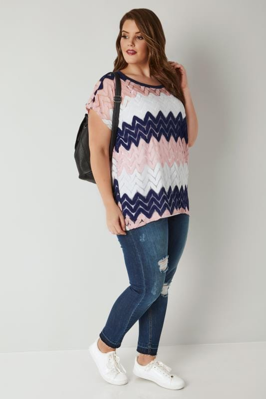 BLUE VANILLA CURVE Pink, White & Navy Chevron Knitted Top