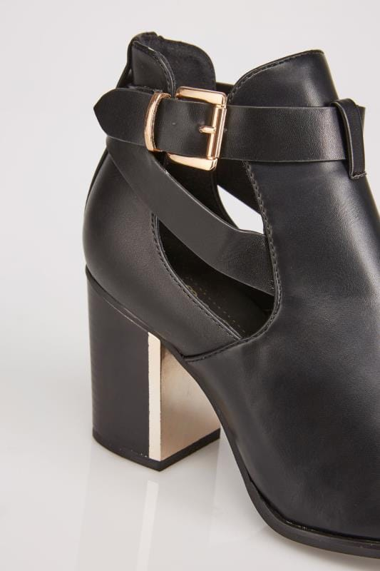 Black Cut Out Heeled Ankle Boots With Buckle In E Fit