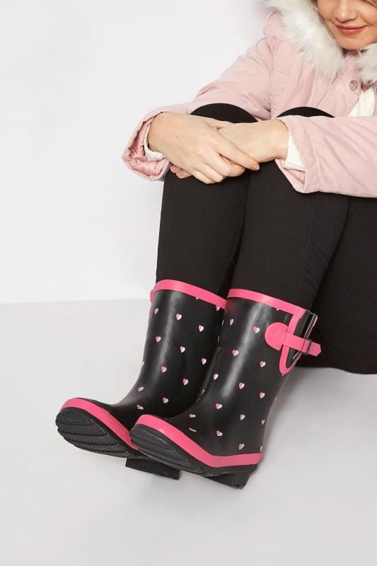 Wide Fit Wellies Black Heart Welly In EEE Fit