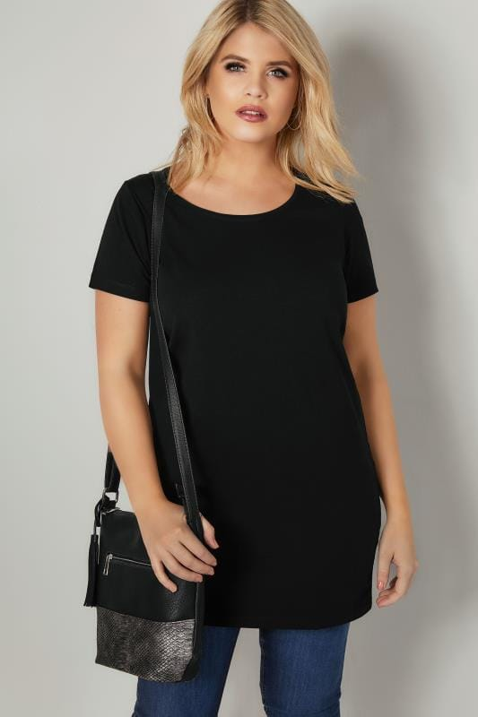 Plus Size T-Shirts Black Longline T-Shirt With Scooped Neck