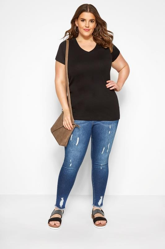 Black Short Sleeved V-Neck Basic T-Shirt