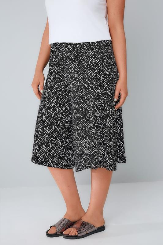 Plus Size Cropped Trousers Black & White Ditsy Daisy Print Jersey Culottes