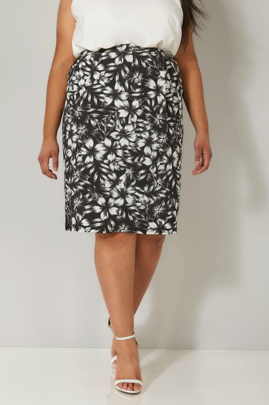 Plus Size Skater Skirts Black & White Floral Print Drape Skirt With Pockets
