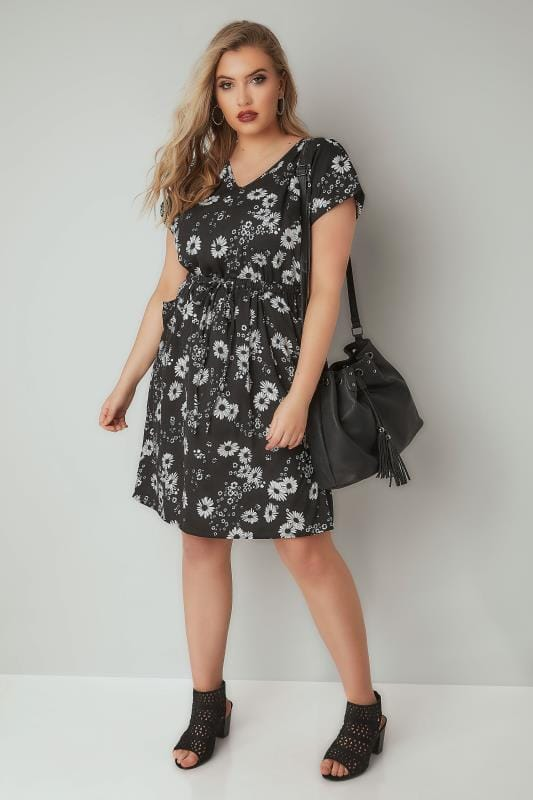 Black & White Floral Print T-Shirt Dress With Pockets & Elasticated Waistband