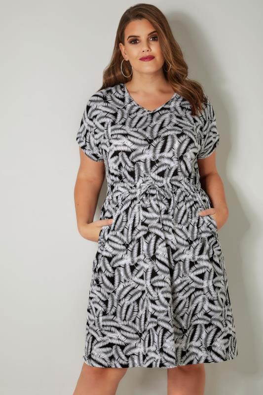 Plus Size Skater Dresses Black & White Palm Leaf Print T-Shirt Dress With Pockets & Elasticated Waistband