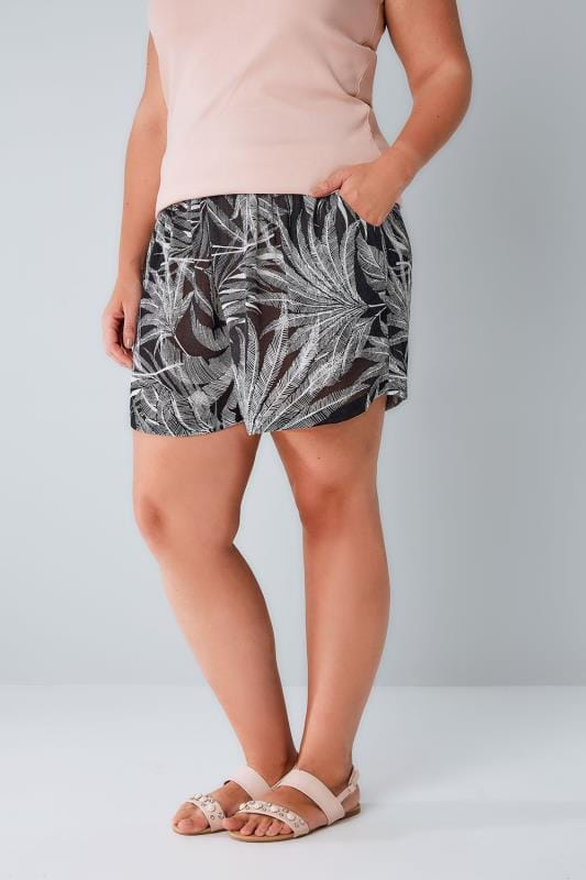 Plus Size Fashion Shorts Black & White Palm Print Shorts With Ruched Waist