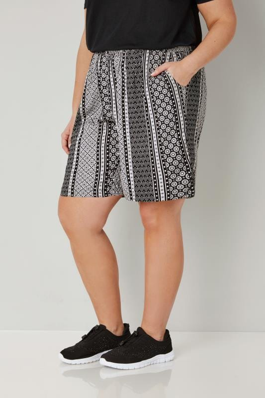 Plus Size Fashion Shorts Black & White Tile Print Smock Shorts