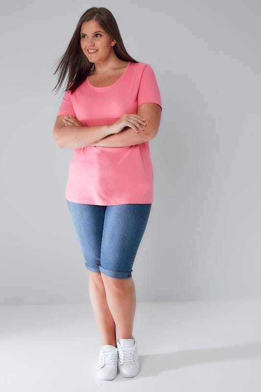 Bubblegum Pink Scoop Neck Basic T-Shirt