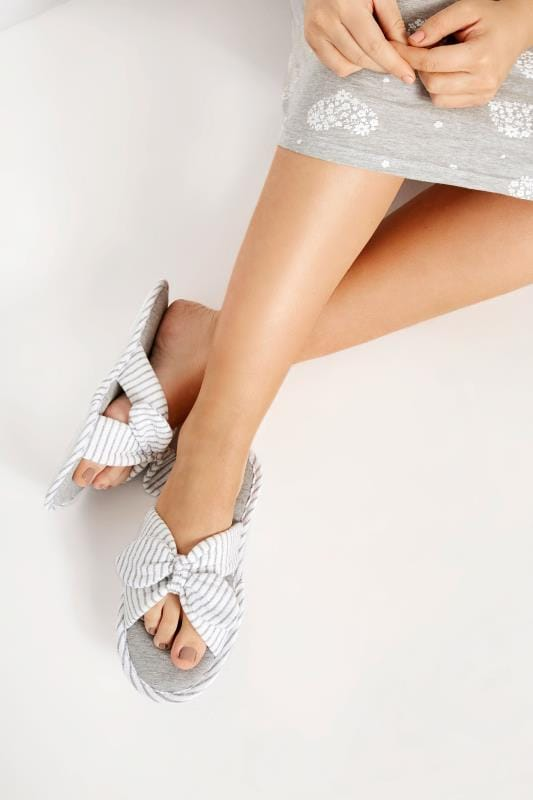 Chaussons Grande Taille Chaussons Gris & Blanc Noeud