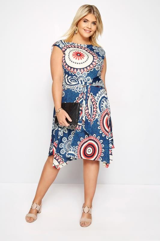Plus Size Skater Dresses IZABEL CURVE Blue Circle Print Skater Dress