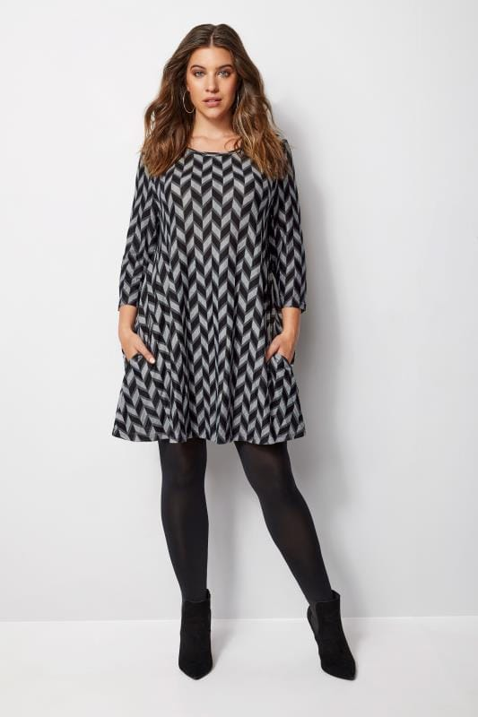 Plus Size Longline Tops IZABEL CURVE Grey & Navy Chevron Knit Longline Top