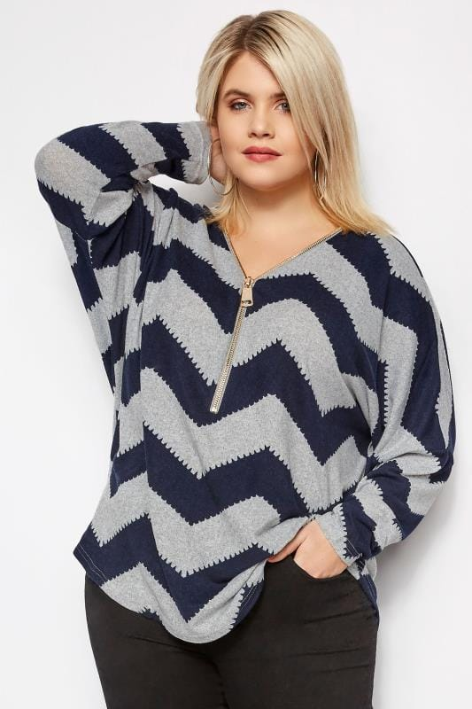 Plus Size Knitted Tops & Jumpers IZABEL CURVE Grey & Navy Knitted Chevron Zip Top