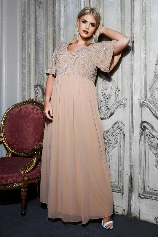 LUXE - Robe en Mousseline Rose Avec Ornements en Perles