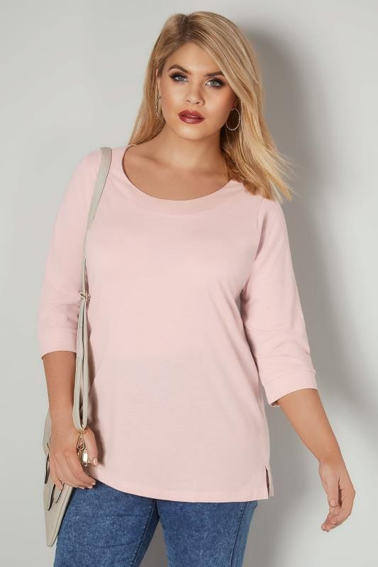 Plus Size T-Shirts Light Pink Band Scoop Neckline T-Shirt With 3/4 Sleeves