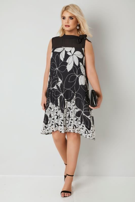 PAPRIKA Black & White Floral Print Plisse Dress