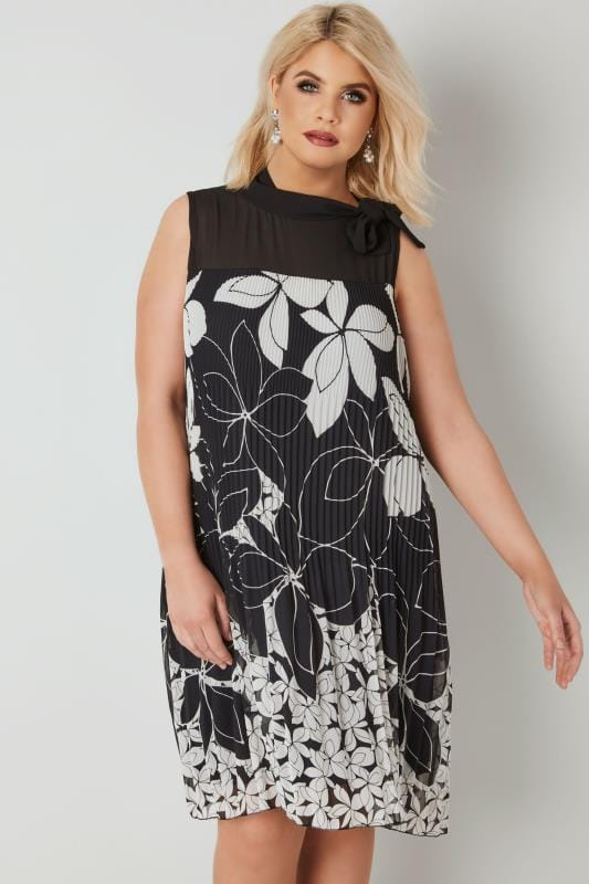 Plus Size Swing Dresses PAPRIKA Black & White Floral Print Plisse Dress