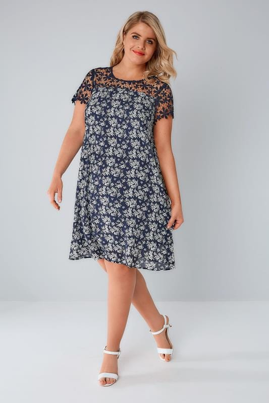 PRASLIN Navy & White Floral Print Shift Dress With Lace Yoke