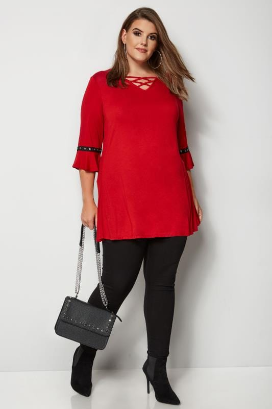 Red Lattice Front Top With Eyelet Flute Sleeves