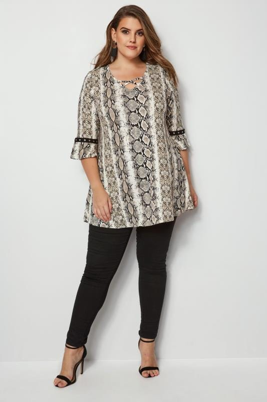 Snake Print Lattice Front Top With Eyelet Flute Sleeves