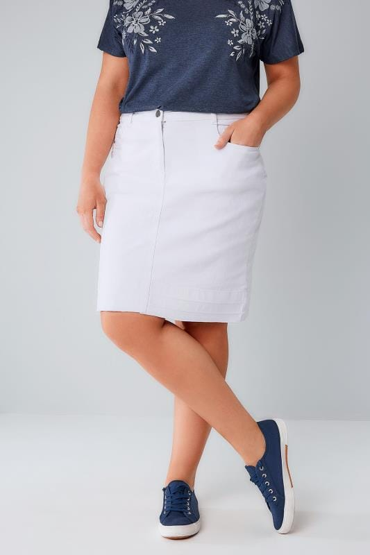 Plus Size Denim Skirts White 5 Pocket Denim Skirt With Raw Hem