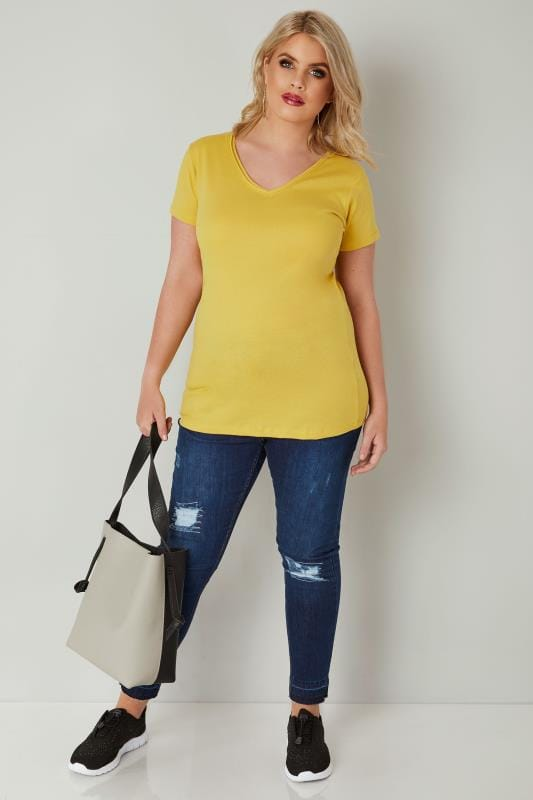 Yellow Short Sleeved V-Neck Basic T-Shirt