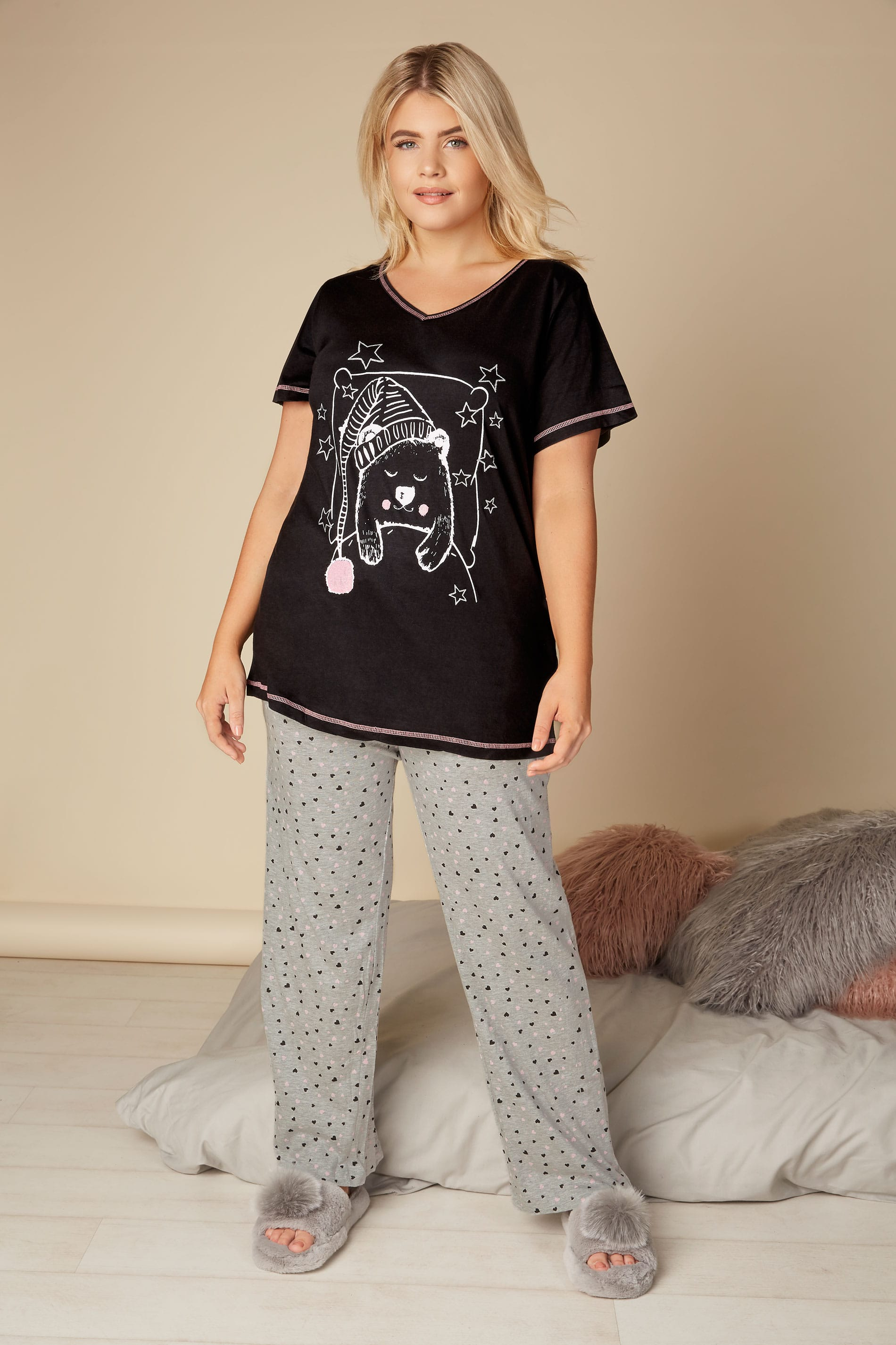 Black bear print pyjama top plus size 16 to 36 - Background image of div ...