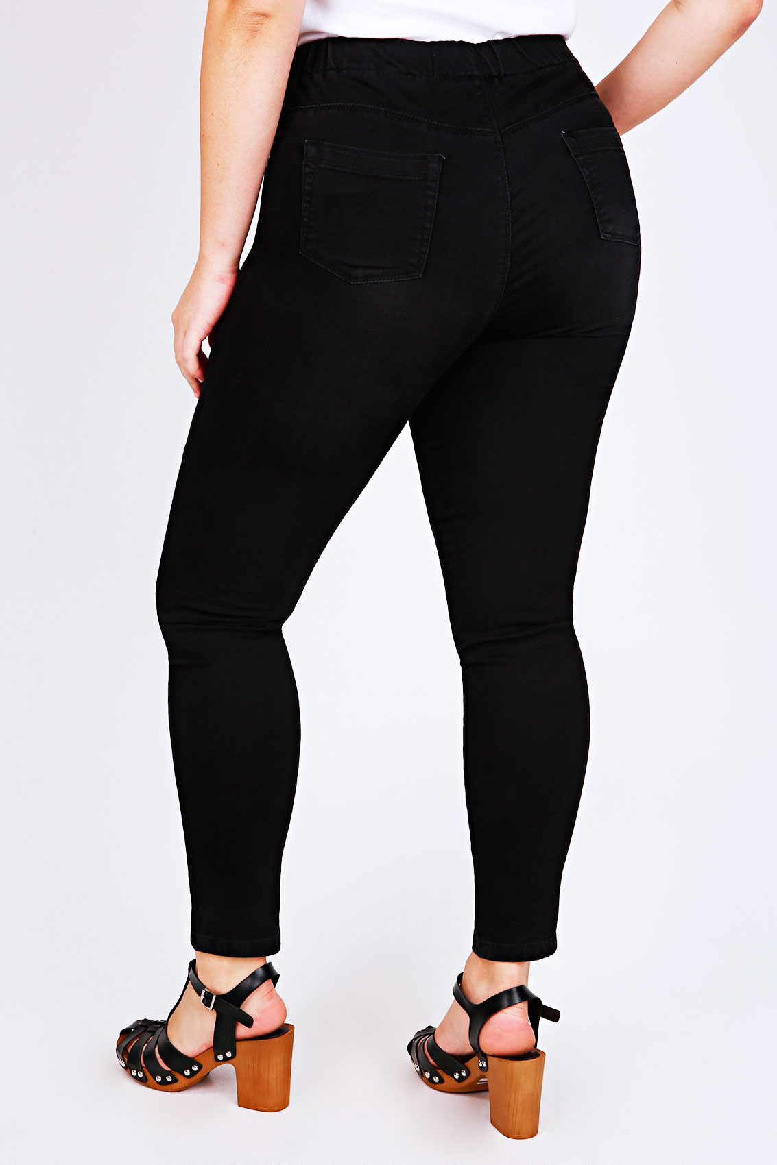 Plus collection Black denim Skinny fit Belt loops Five pockets Button and zip fly fastening Plus Size Guide. Plus collection Black denim Skinny fit Belt loops Five pockets Button and zip fly fastening Plus Size Guide. Search River Island. Women. Women. New in; All New Arrivals Plus black skinny Molly jeggings Plus black skinny Molly.