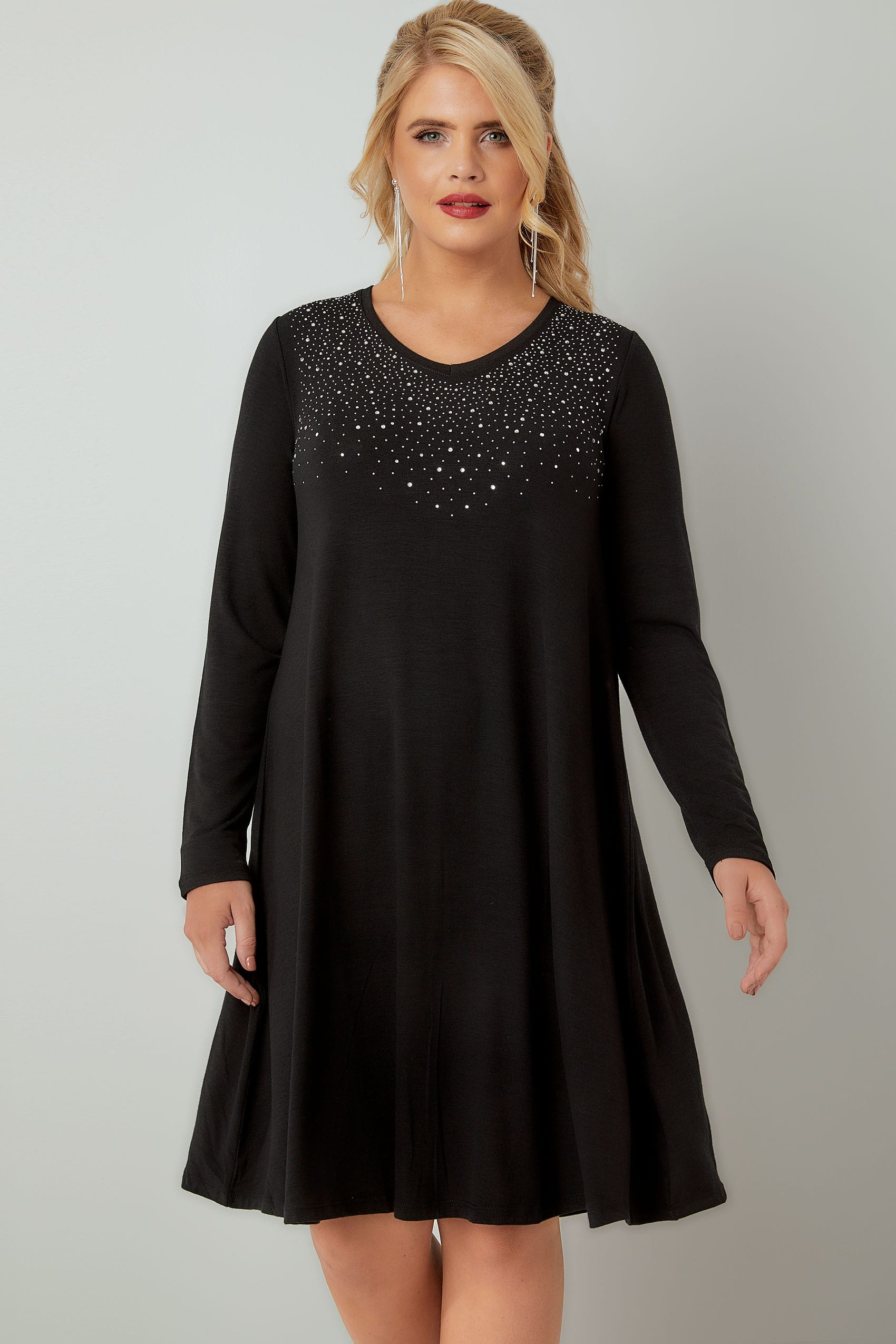 Black Fine Knit Swing Dress With Embellished Front, Plus -2175