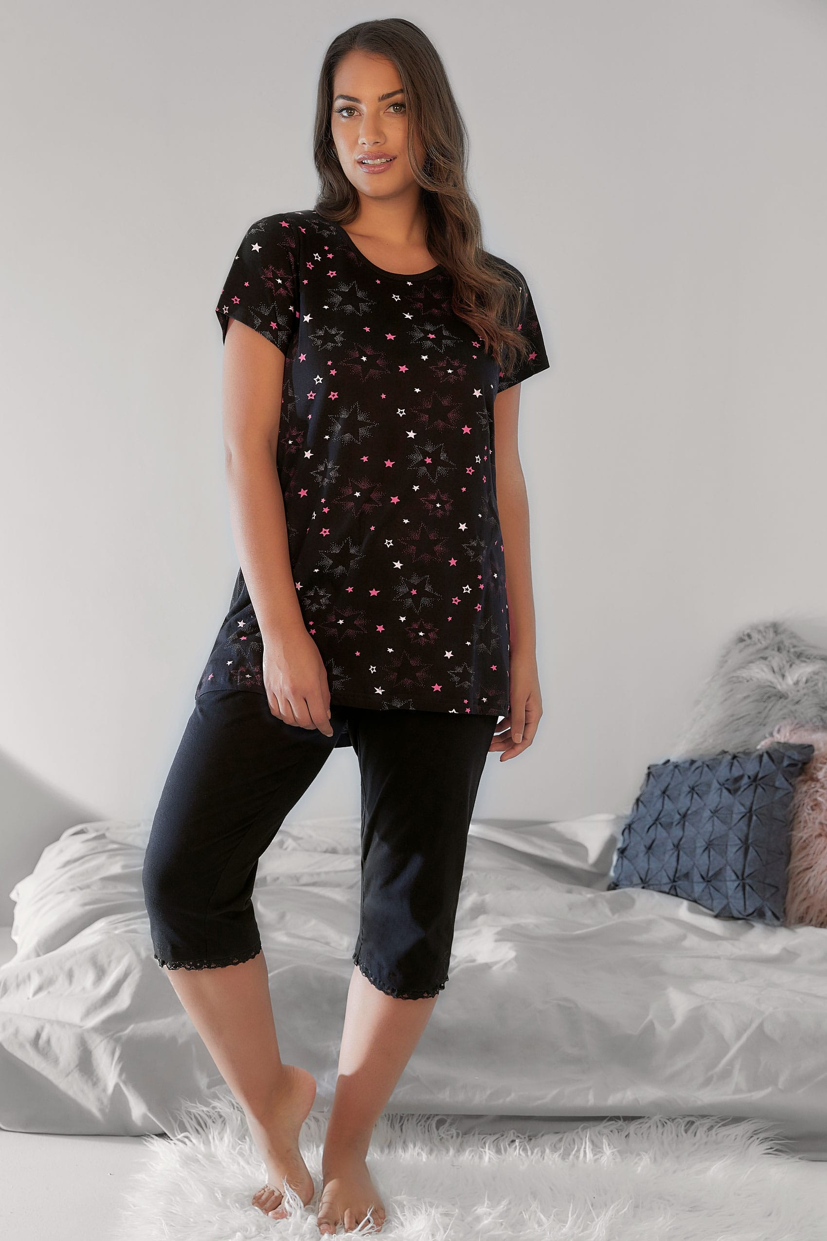 schwarz rosa pyjama top mit sternemuster plus size gr en 44 bis 64. Black Bedroom Furniture Sets. Home Design Ideas