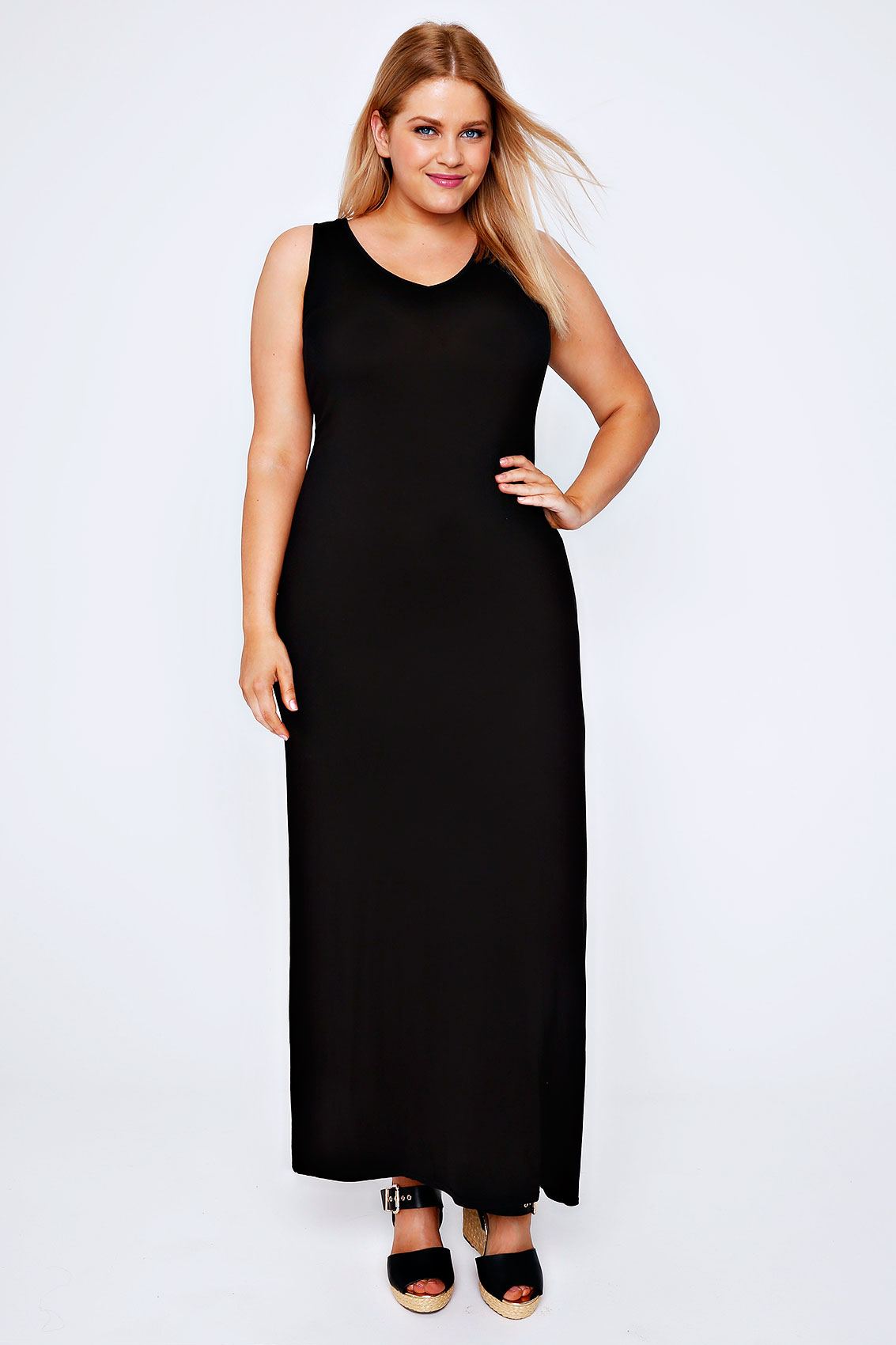 Maxi Dresses for Maximum Style. Maxi dresses are the perfect addition to any fall wardrobe. Wear the latest in women's maxi dresses to brighten the long autumn days and bring that stylish look to every day.