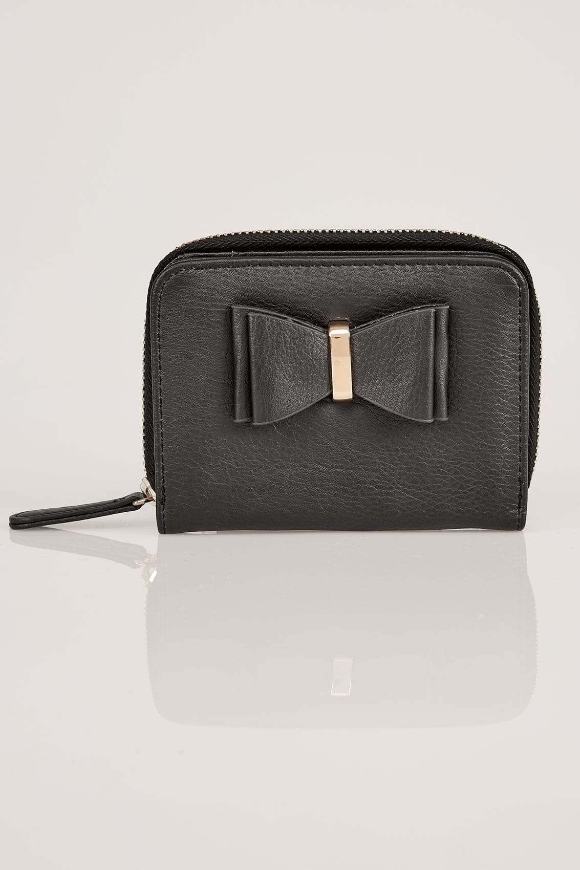 Black purse with bow front detail for Buy here pay later