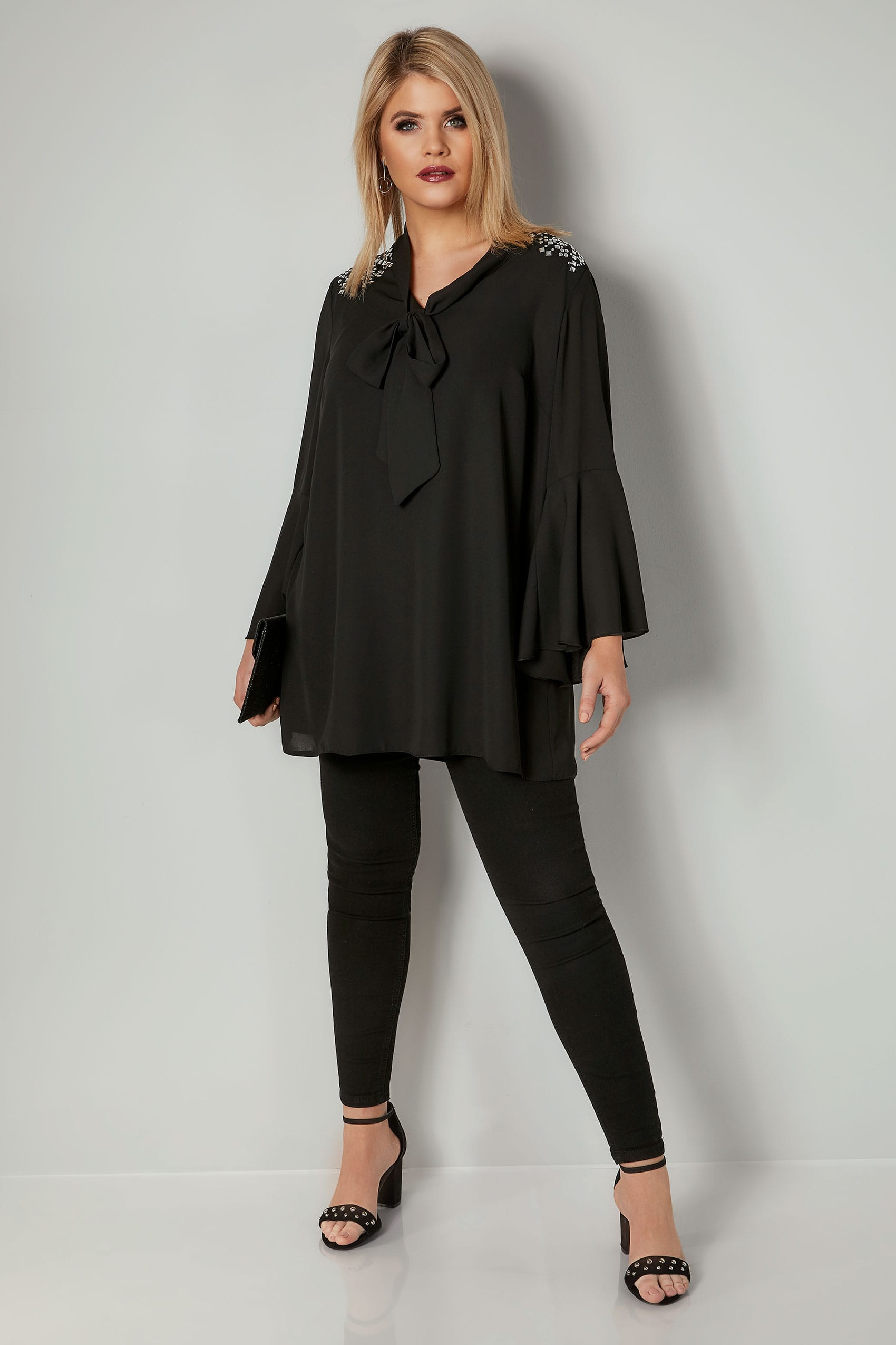 Blouse noire avec noeud ornements paules taille 44 62 for Background images in div