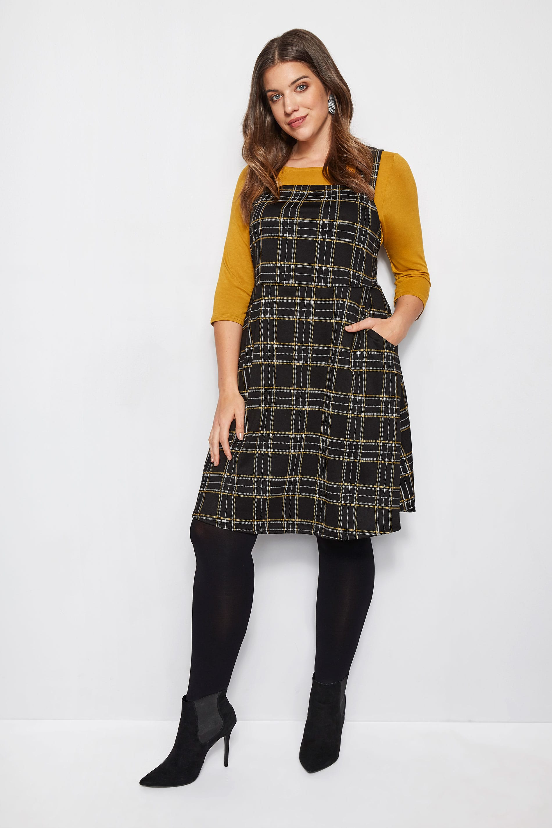 Collezione limitata Plus Size Black Yellow Check Pinafore-4696