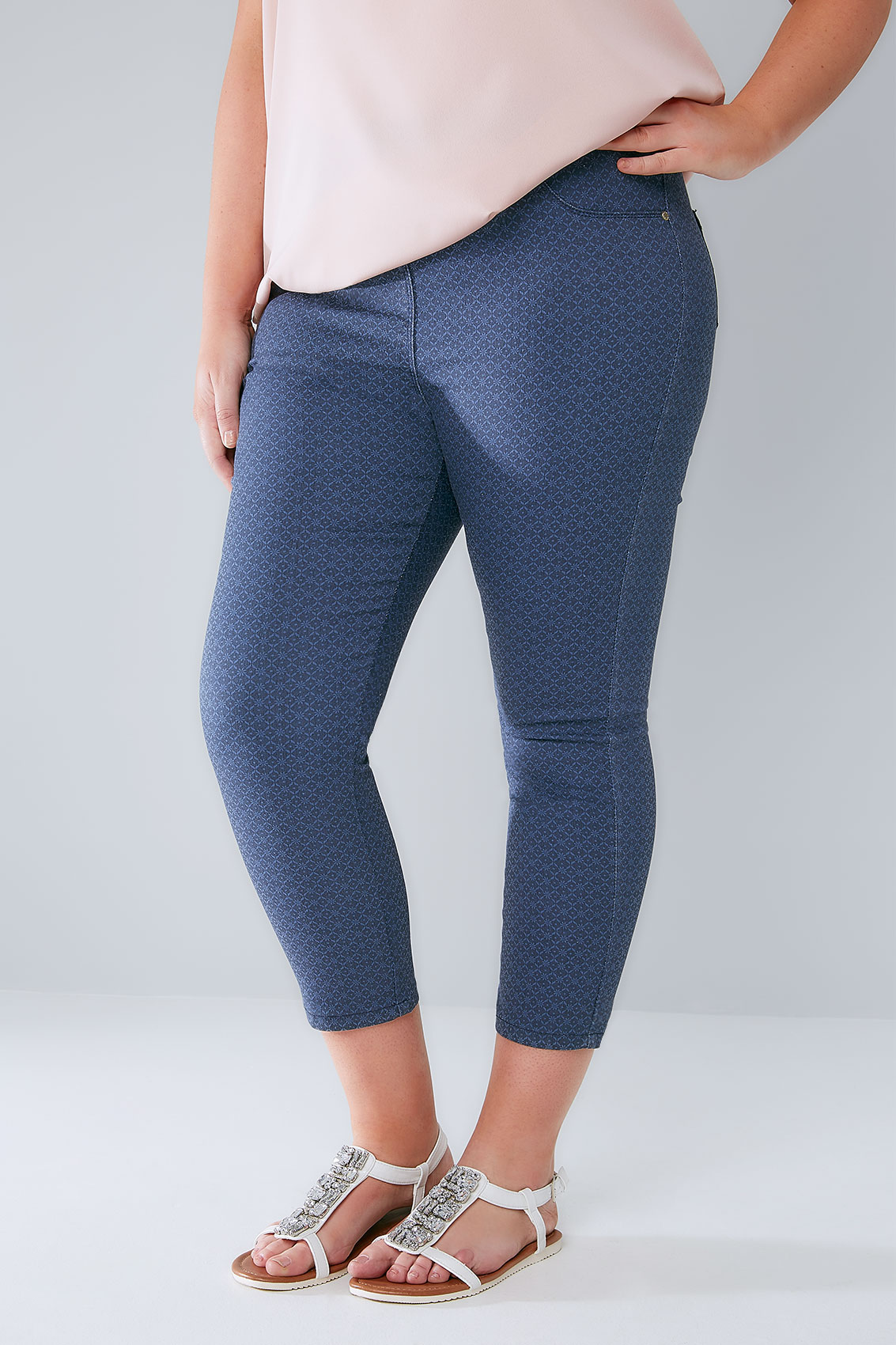 These Jordache Women's Plus-Size Pull-On Jeggings make a smart addition to any collection of basic apparel. Made from a unique blend of cotton, spandex and polyester, they are comfortable to wear/5(17).