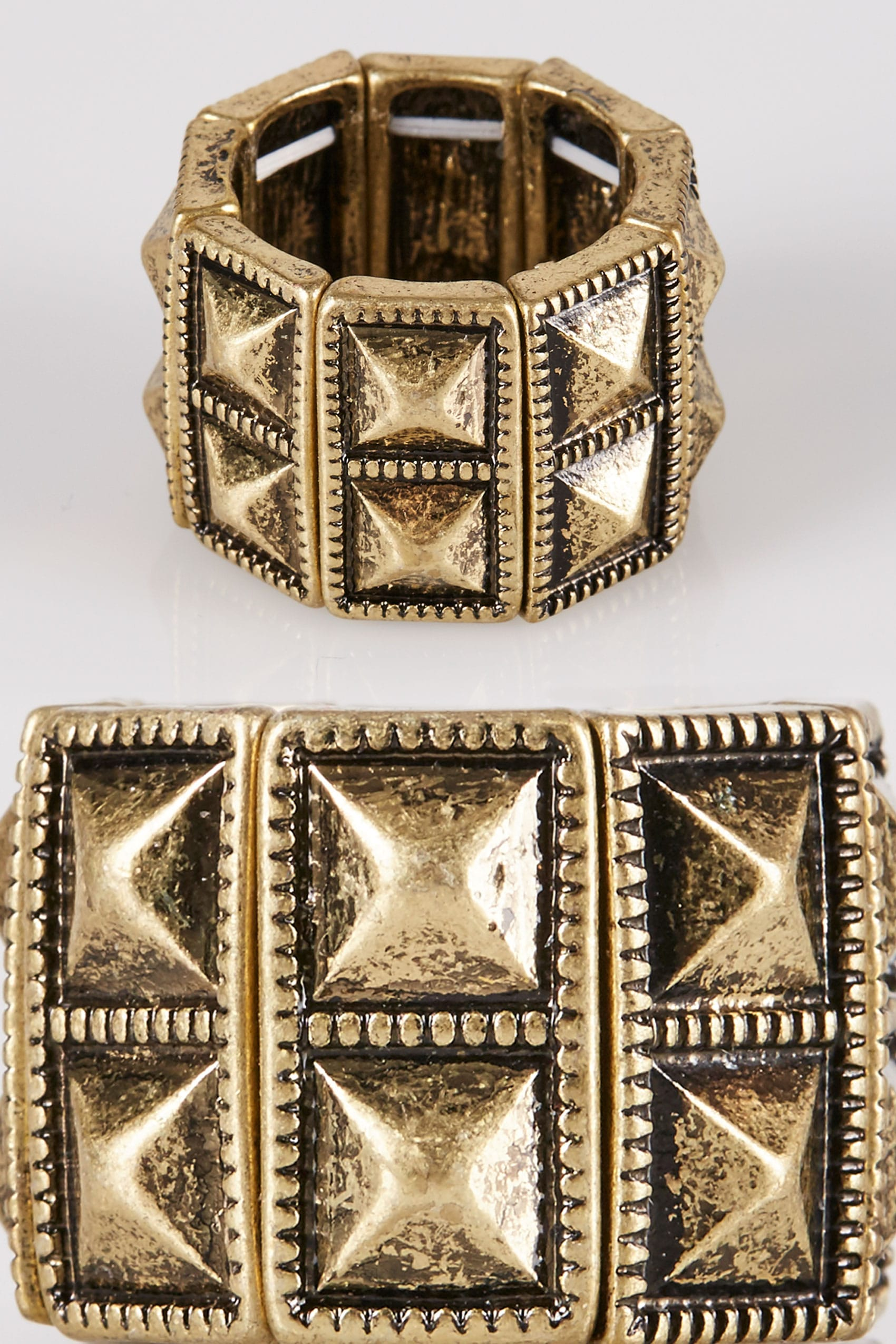 gouden piramide stud stretch ring