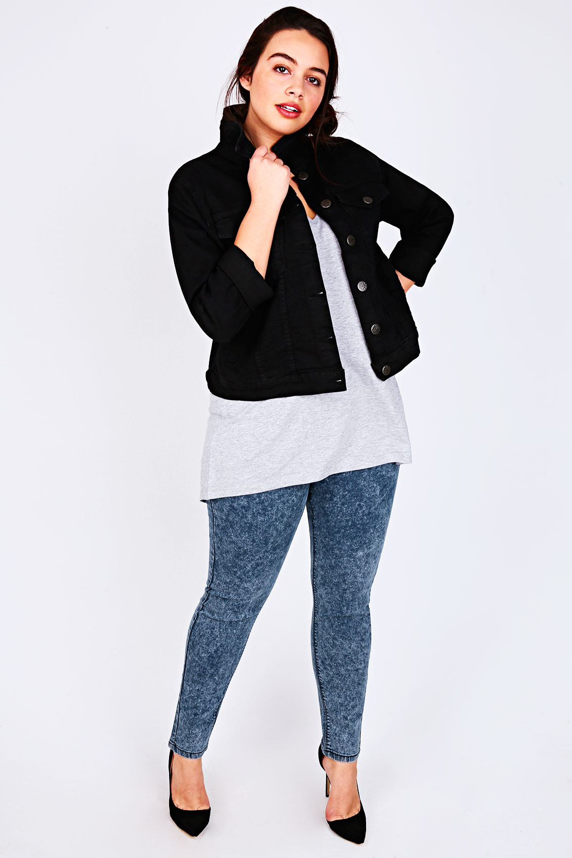 Legging Outfits for Plus Size Girls. Wearing the right thing at a right time is a key to look chaplin-favor.tk size you up in less than thirty seconds of your meeting them and your clothes have a lot to do with how others perceive you.