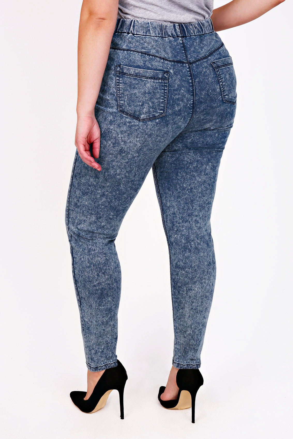 Stretch denim jeggings available in sizes 12, 14, 16, 18, 20, 22, 24, 26, 28, 30, 32 Fit and Fashion Notes: The wide elastic waistband gives you an effortless fit while the denim .