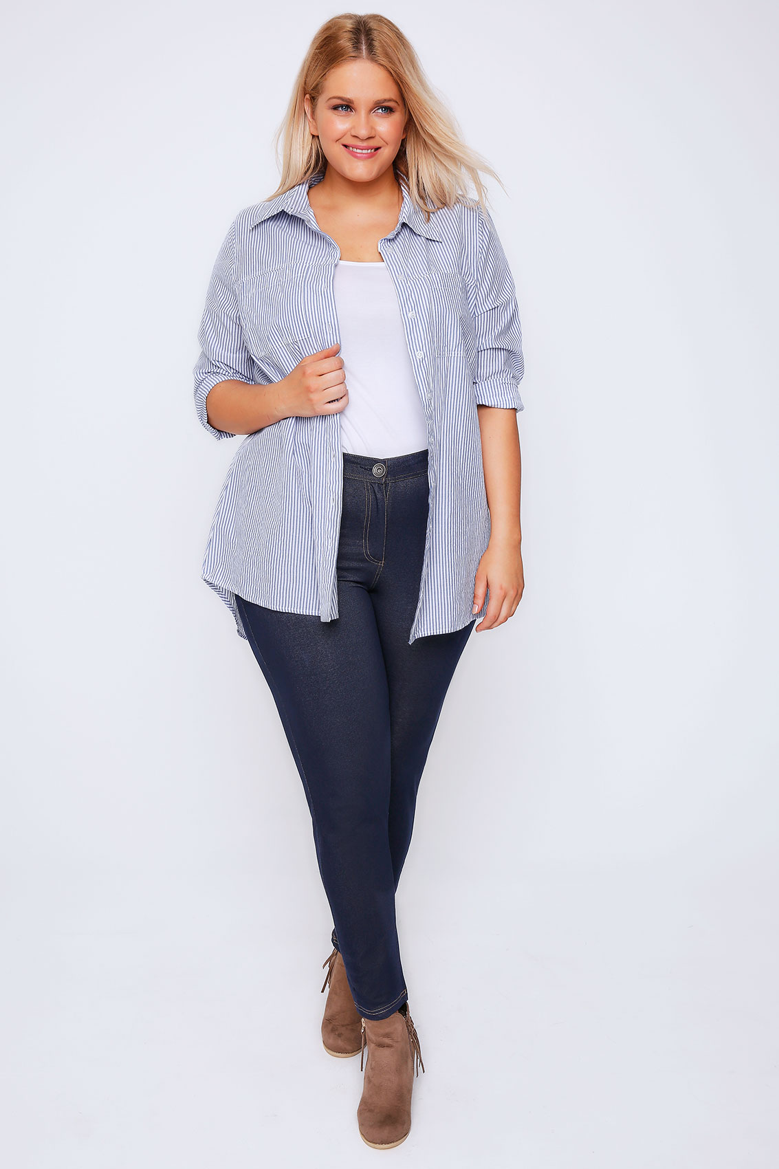 Plus size jeans are a comfortable and fashionable addition in any woman's wardrobe. Whether running a quick errand, hanging out with friends or headed into the office, a pair of jeans is always a great foundation for a comfortable outfit.