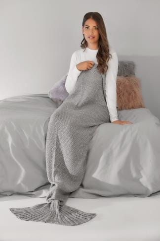 Onesies BLUE VANILLA CURVE Grey & White Knitted Sparkle Mermaid Tail Blanket 138168