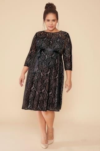 Robes BUMP IT UP MATERNITY Black & Nude Underlay Lace Dress 056366