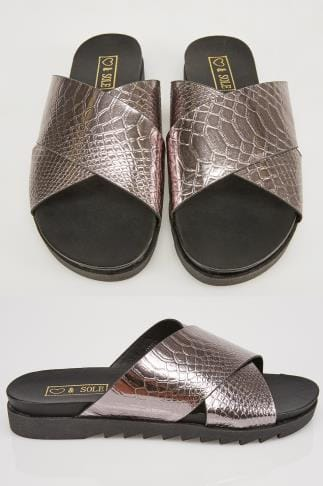 Metalic Snake Print Cross Over Strap Sliders In E Fit