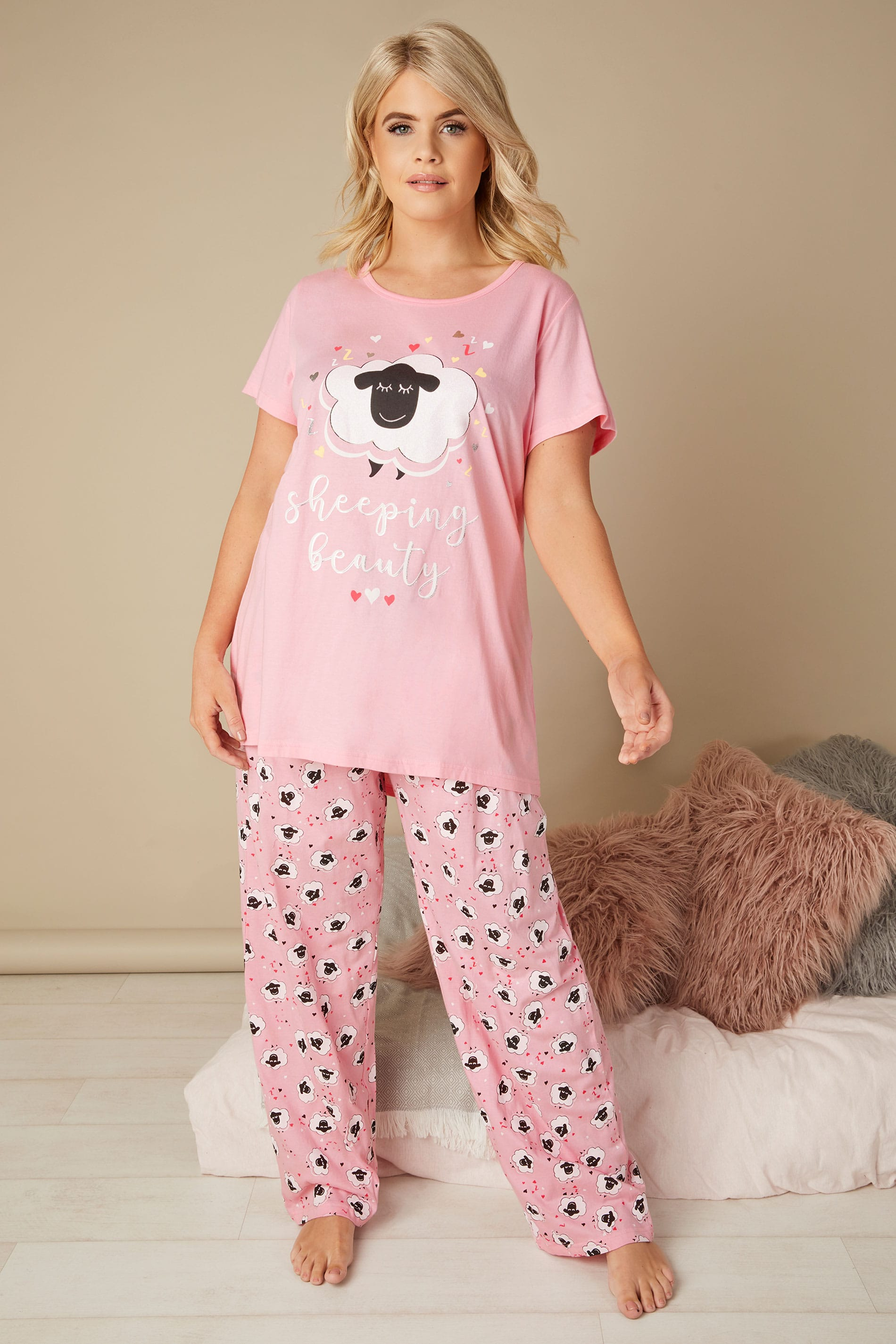 ensemble pyjama rose slogan sheeping beauty taille 44 64. Black Bedroom Furniture Sets. Home Design Ideas