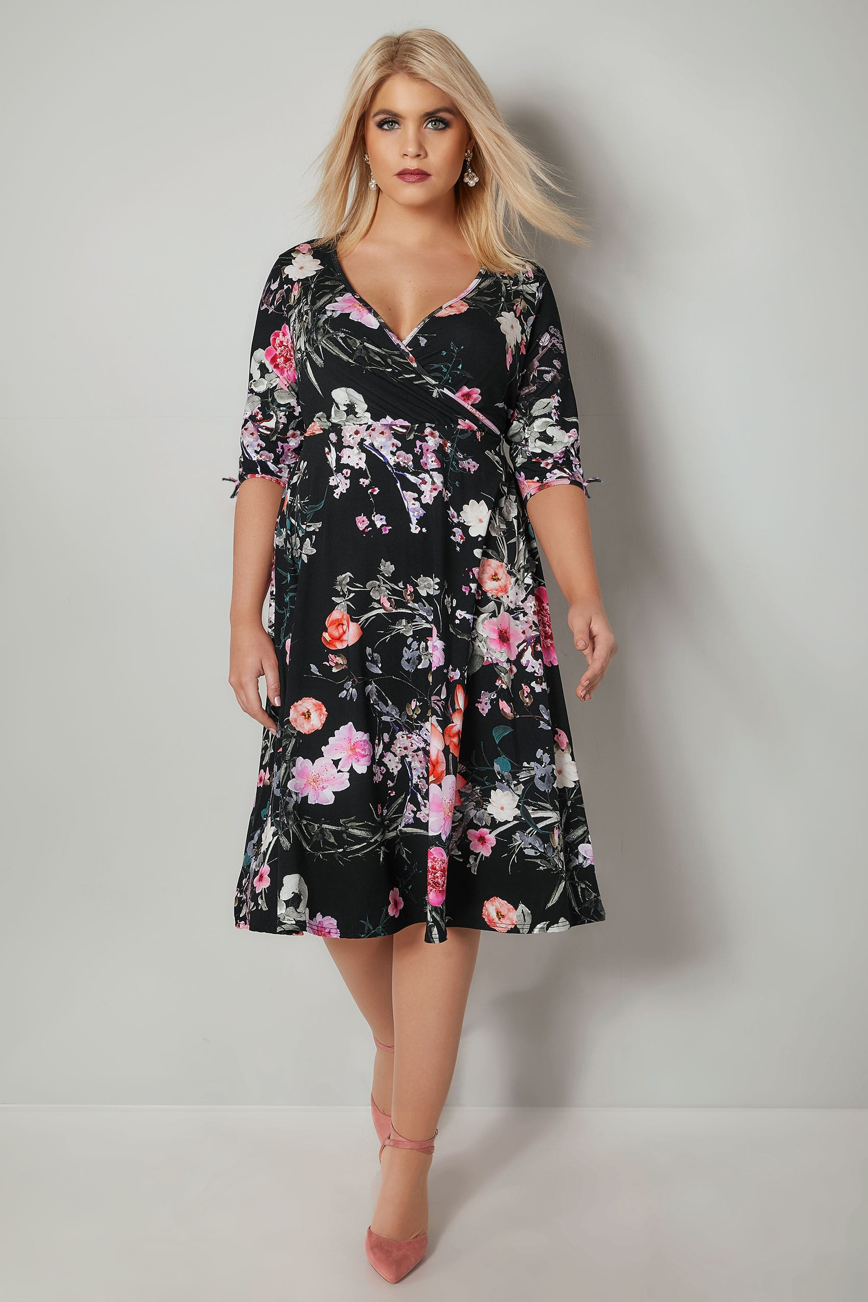 de5580ea198 YOURS LONDON Black Floral Wrap Dress With Tie Sleeves, Plus size 16 ...