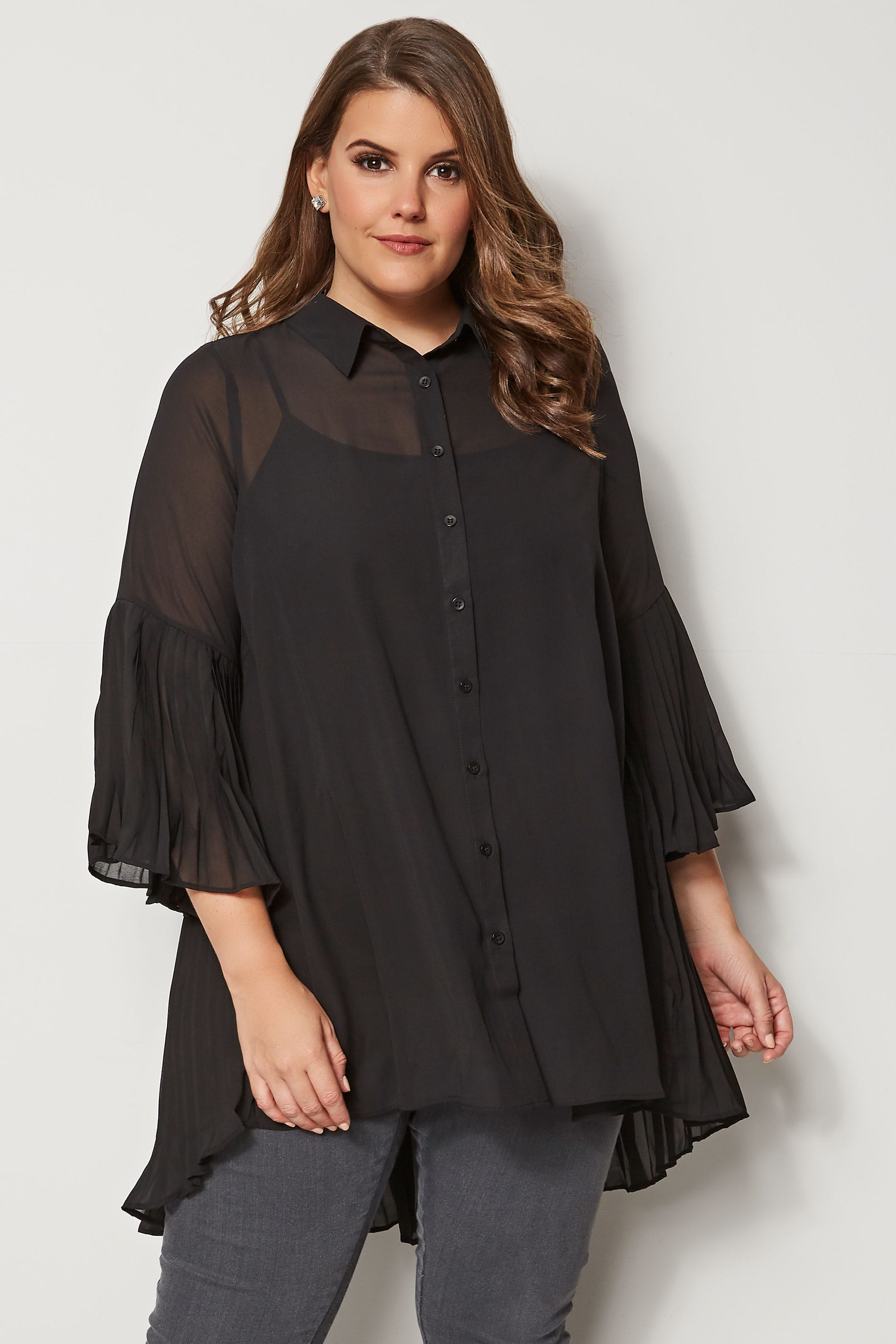 cd7090cb5e81 YOURS LONDON Black Pleated Longline Shirt, plus size 16 to 32